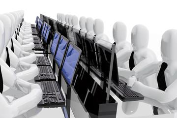 Trabajadores observando pantallas de ordenador