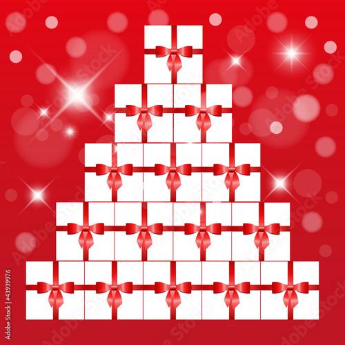 Geschenkepyramide mit rotem Hintergrund - 43939976