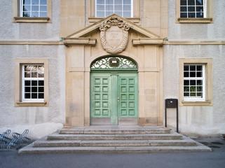 Haupteingang des Physikalischen Instituts