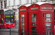 Telefonzellen mit Doppeldeckerbus in London