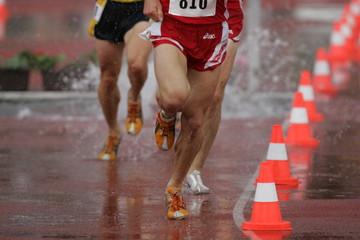 Leichtathletik, Laufen im Regen