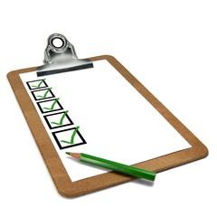 Klemmbrett perspektivisch mit Stift und Checkboxen