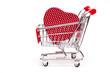 Rotes Herz in einem Einkaufswagen