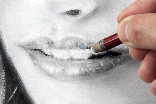 Drawing a portrait - lips close up
