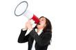 businessfrau brüllt in ein megafon