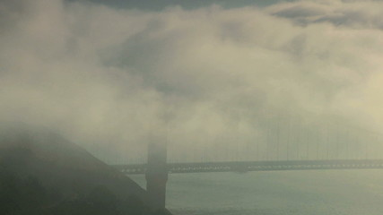 Time lapse Mist and Clouds Golden Gate Bridge