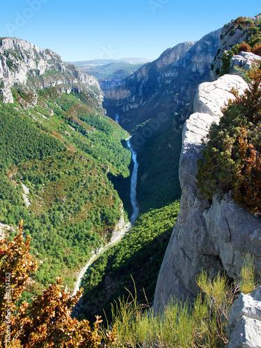 Les gorges du Verdon vues du belvédère de Trescaire.