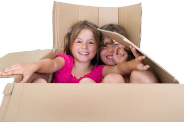 Mädchen im Karton