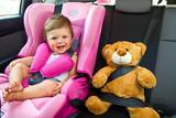 Fototapety baby girl smile in car