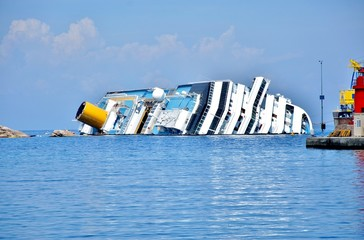 naufragio concordia isola del giglio toscana