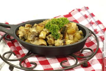 Poêlée de pommes de terre sautées au cèpes