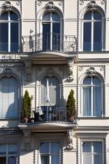 Südländisches Mehrfamilienhaus Detail