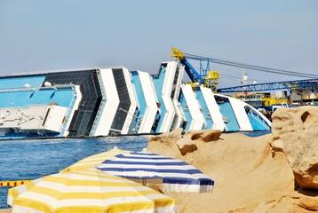 naufragio concordia isola del giglio toscana -14 agosto 2012 -