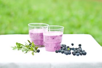yogurt shake with blueberry