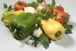 Verdure assortite peperoni pomodori basilico cipolla aglio