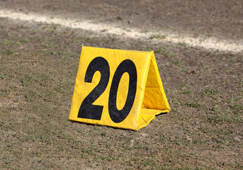 Marker 20 football americano