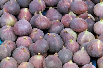 Ripe figs.