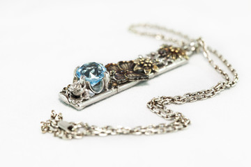 Pendant with topaz