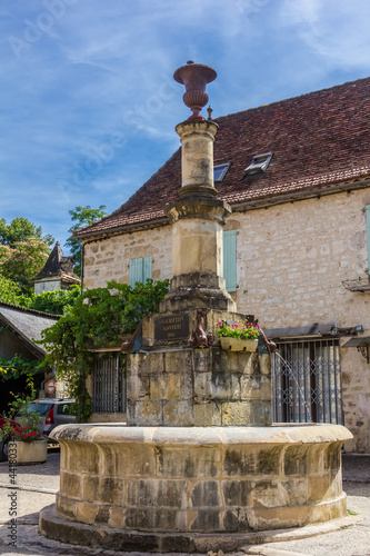 Fontaine d'Autoire, beau village de France