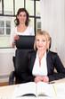 Frauenpower im Büro