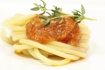 spaghetti à la sauce tomates