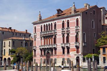 Rosa Palazzo am Canale Grande Venedig