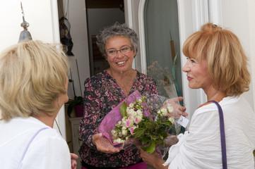 Senior - Invitées chez des amies