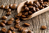Fototapety coffee beans in wooden scoop