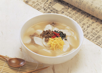 soup made with sliced rice-cake