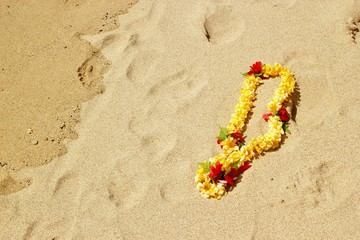 Lei on the sand 3