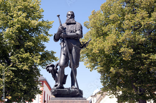 Leinwandbild Motiv Marienberg Herzog Heinrich Denkmal