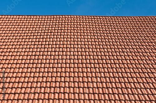 Rote Dachziegel quot rote dachziegel quot stockfotos und lizenzfreie bilder auf fotolia com bild 44261512