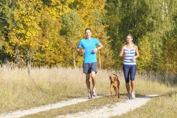 gemeinsam Laufen im Herbst