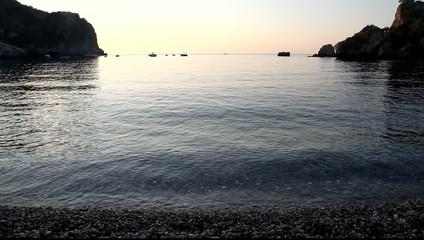 l'alba sulla spiaggia