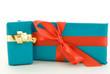 Zwei Geschenke unterschiedlich verpackt