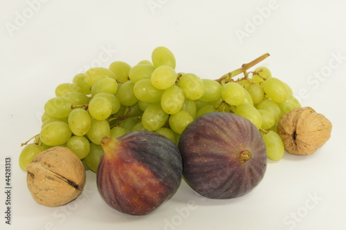 Fruit and walnut
