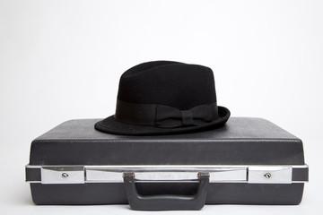 Agenten Koffer mit Hut