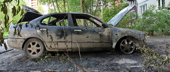 street crime set on fire car