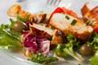 Salat mit gegrillter Hähnchenbrust