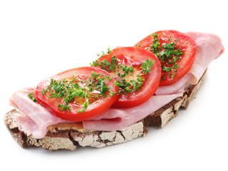 Wholesome Bread with Ham and Tomato