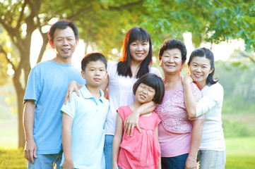 Outdoor family with great smile