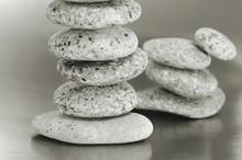 Evenwichtige zen stenen