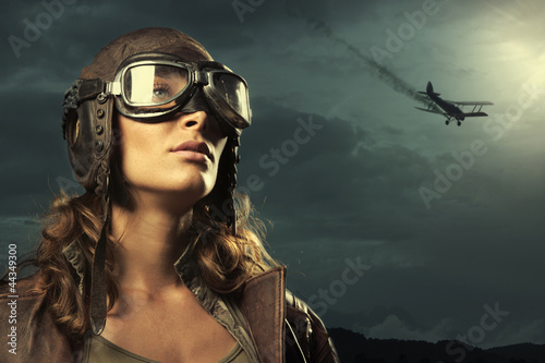 Leinwanddruck Bild Woman aviator: fashion model portrait