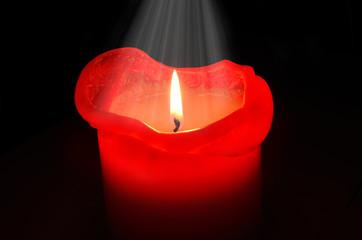 Kerze mit weißem Licht
