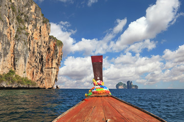 The Thai  boat floats to ocean island