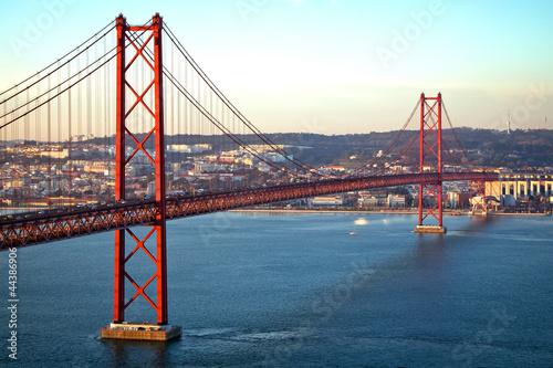 Fototapeten,rot,brücke,lissabon,portugal