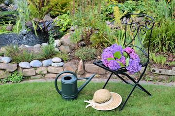 Gartenstuhl am Teich