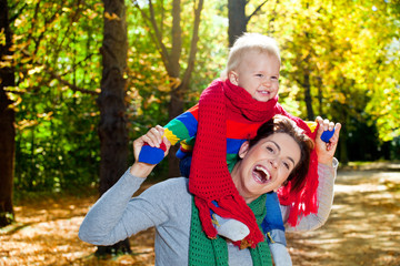 mama und kind herbsttage