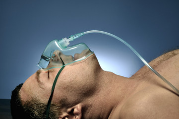 Man in mask oxygen.
