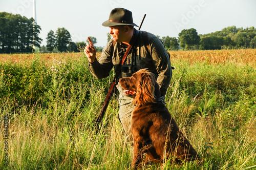 Jäger mit Jagthund - 44426119